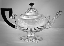 A TIFFANY & Co. STERLING SILVER TEA/COFFEE SET WITH TRAY, C. 1900