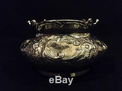 Superbe 7 Pièces. Ensemble Thé / Café Repousse À La Plaque D'argent Victorian Era Wilcox Silver Plate Repousse