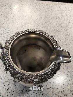 Thé / Café Birmingham Argent Co Argentée Avec Conception De Raisin En Pot Inclinable